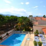 La piscine chauffée de l'hôtel plage des pins